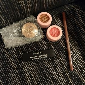 Make up bundle